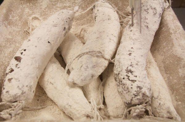 saucisson sec la ferme charcutiere charcuterie le neubourg eure normandie